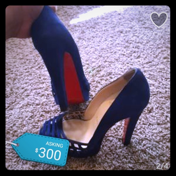 cheap for discount 0c422 764f0 Navy blue Louboutin pumps.